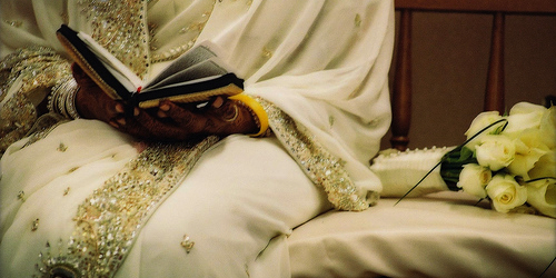 Post image for Muslim Women In Love: Would you get married without your family?